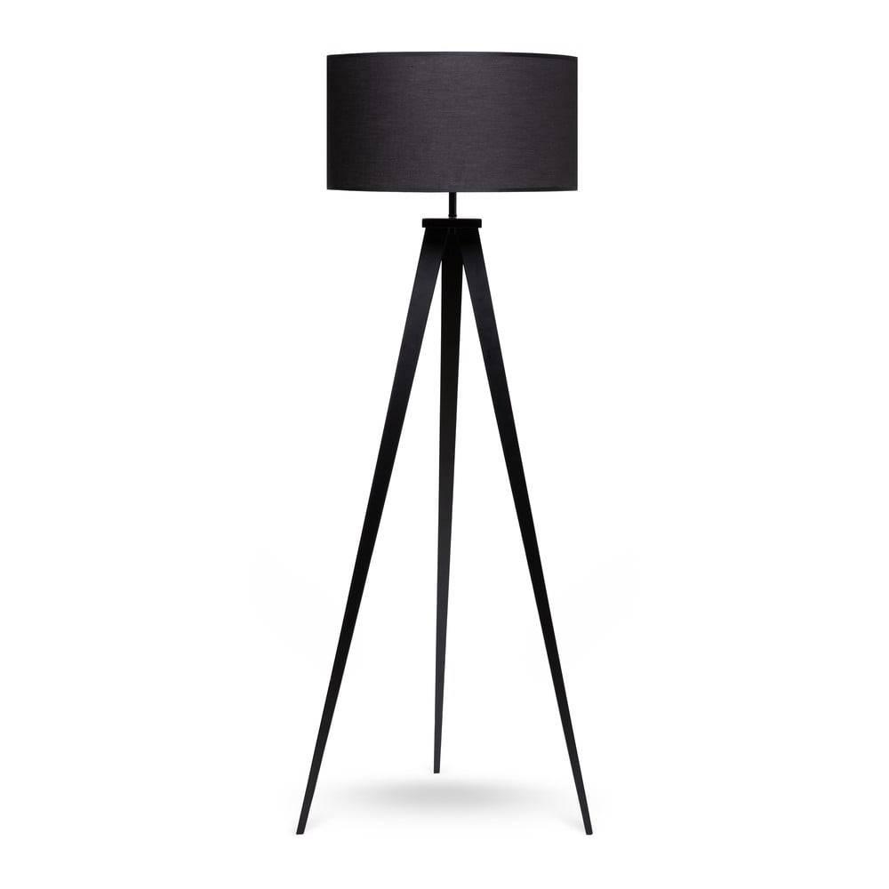 loomi.design Stojacia lampa s kovovými nohami a čiernym tienidlom loomi.design Kiki